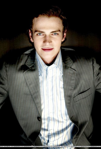 Hayden Christensen Hintergrund with a business suit, a suit, and a well dressed person called Hayden <3