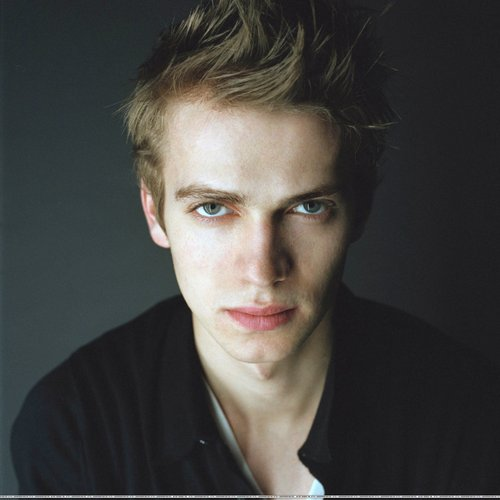 Hayden Christensen Hintergrund possibly containing a portrait titled Hayden <3