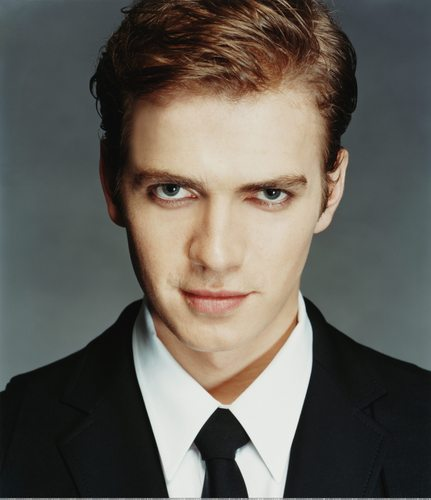 Hayden Christensen achtergrond probably with a business suit and a suit titled Hayden <3