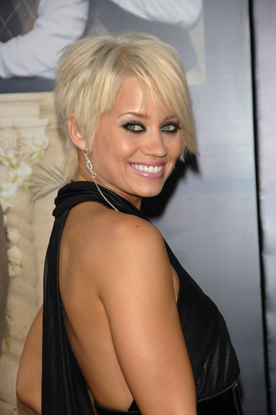[http://images2.fanpop.com/images/photos/3400000/Kimberly-Wyatt-kimberly-wyatt-3417890-395-594.jpg]