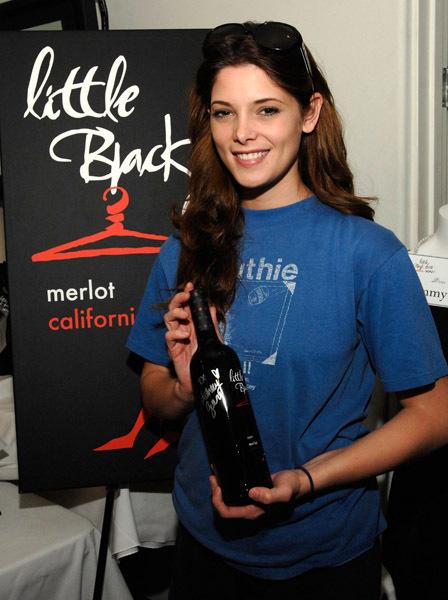 Little Black Dress Wines At Kari Feinstein Golden Globes Style Lounge
