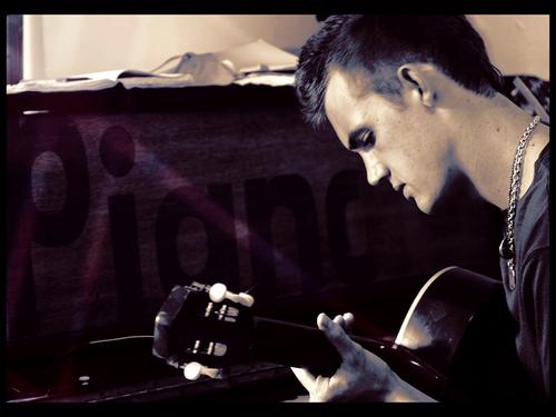 Tyler Hilton