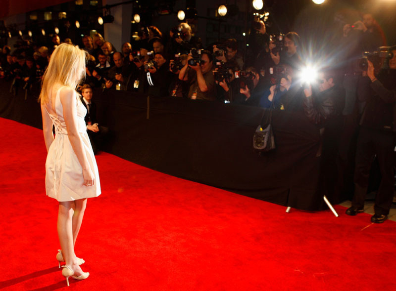 elle fanning and dakota fanning 2009. Elle Fanning: Critics#39; Choice