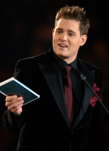 Michael Bublé Hintergrund with a business suit entitled michael bublé