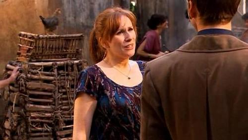 Donna Noble kertas dinding entitled 4x02 Fires of Pompeii Screencaps [Donna Noble]
