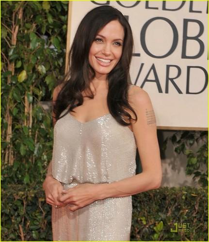Angelina @ 2009 Golden Globe Awards