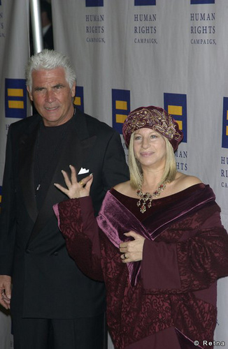 Barbra Streisand 바탕화면 entitled Barbra and James Brolin