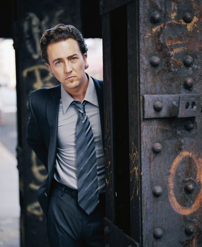 Edward Norton wallpaper with a business suit entitled Edward Norton - Glen WIlson Shoot