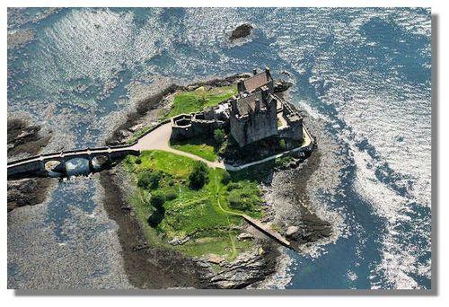 Scotland wallpaper entitled Eilean Donan kastil, castle ~ Lochalsh
