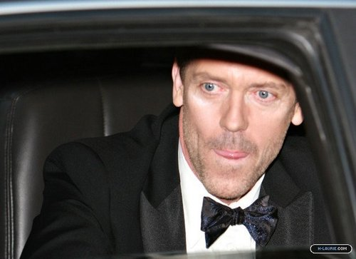 Hugh Laurie wallpaper titled HL Leaving the Golden Globe Awards