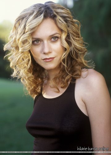 Hilarie Burton wallpaper probably with a portrait entitled Hilarie <3