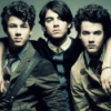 http://images2.fanpop.com/images/photos/3500000/Jonas-Brothers-the-jonas-brothers-3594909-100-100.jpg