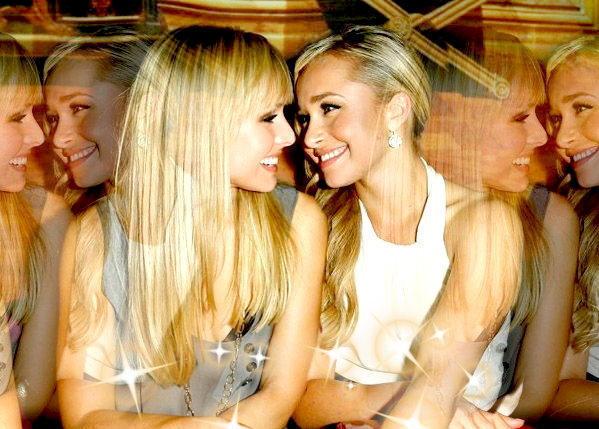 Kristen bell lesbian kiss