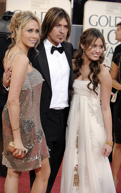 Miley @ 2009 Golden Globe Awards
