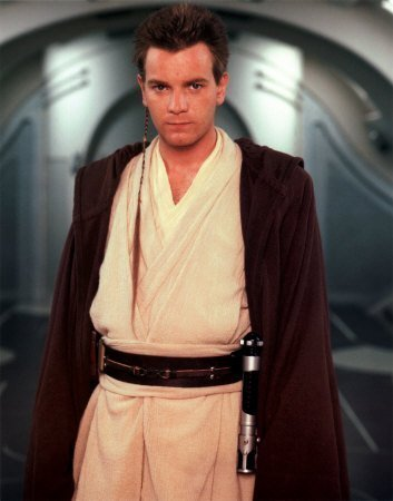 Obi-Wan Kenobi wallpaper containing a kimono called Obi Wan Kenobi