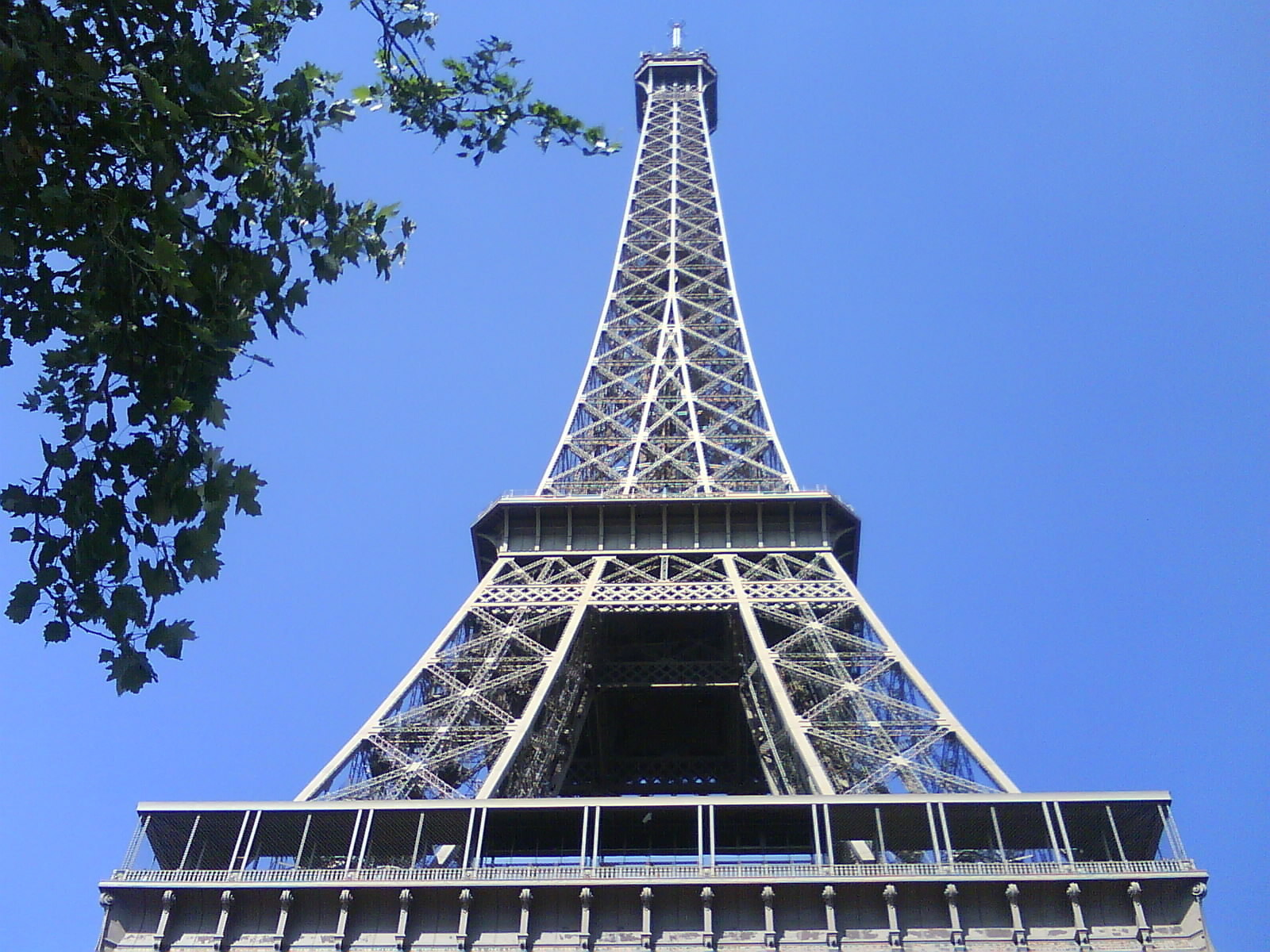 The Eiffel Tower - France Photo (3512988) - Fanpop