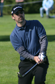 Thomas Gibson wallpaper containing a wicket, an umpire, and a fielder called Thomas playing golf