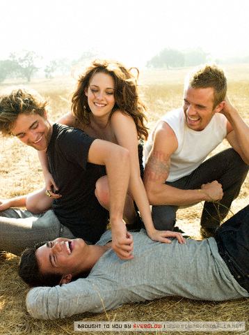 Robert Pattinson & Kristen Stewart wallpaper probably containing a park bench titled VF Outtakes