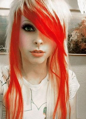 http://images2.fanpop.com/images/photos/3500000/emo-girl-emo-girls-3551018-290-400.jpg