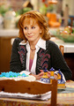 reba on the set - reba-mcentire photo