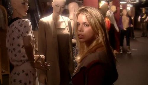 1x01 Rose Screencap [Rose Tyler] - rose-tyler Screencap