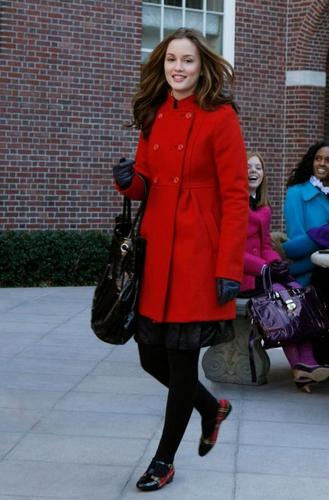Gossip Girl Spoiler Whores 壁纸 possibly containing a business suit called 2x17 stills