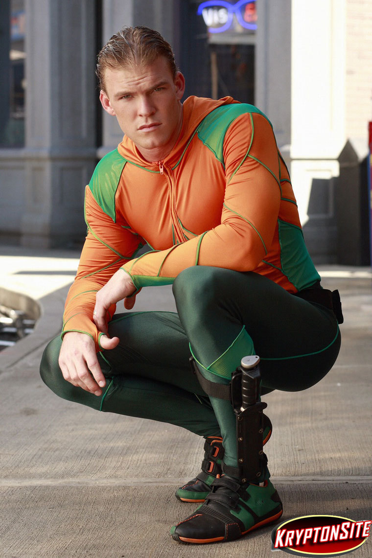 Ac-AKA-Aquaman-smallville-3635810-760-11