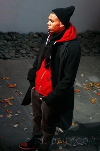 """Chris on Set of """"No Air"""" música Video"""