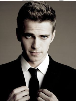 Hayden Christensen achtergrond containing a business suit, a suit, and a krijtstreep, pinstripe called Hayden