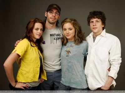 Kristen in 'Adventureland' photosessions