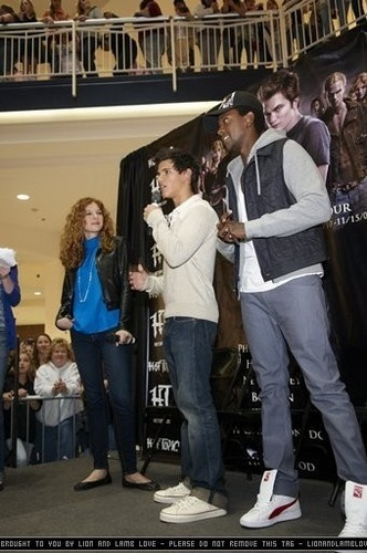 Meet & Greet with Cast of Twilight