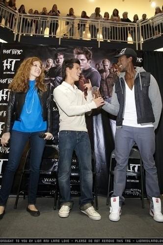 Meet & Greet with Cast of Twilight