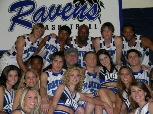 OTH Cheerleaders - Page 3 OTH-basketball-team-and-cheerleaders-sophia-bush-3691814-500-375
