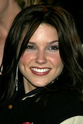 Sophia Bush smile