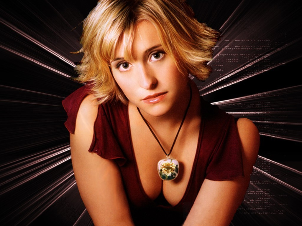 Allison Mack - Photo Set