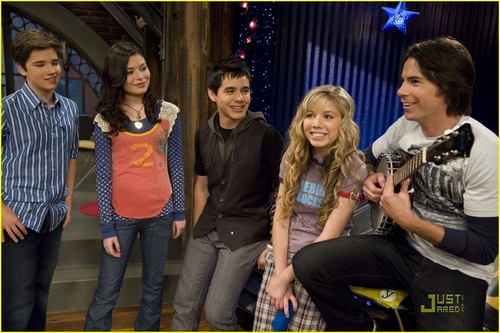iCarly wolpeyper possibly containing a street, a carriageway, and a hip boot entitled David Archuleta on iCarly