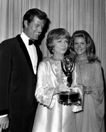 Elizabeth With Agnes Moorehead and Robert Culp