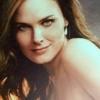 :: Vampiros :: Emily-emily-deschanel-3772776-100-100
