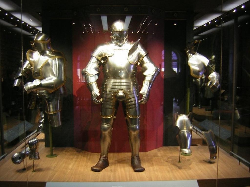 Henry-VIII-Armor-Wallpaper-king-henry-vi