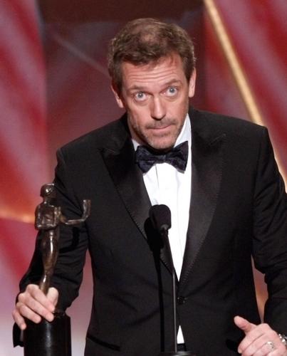 Hugh Laurie Wins 2009 SAG Award (Larger Size)