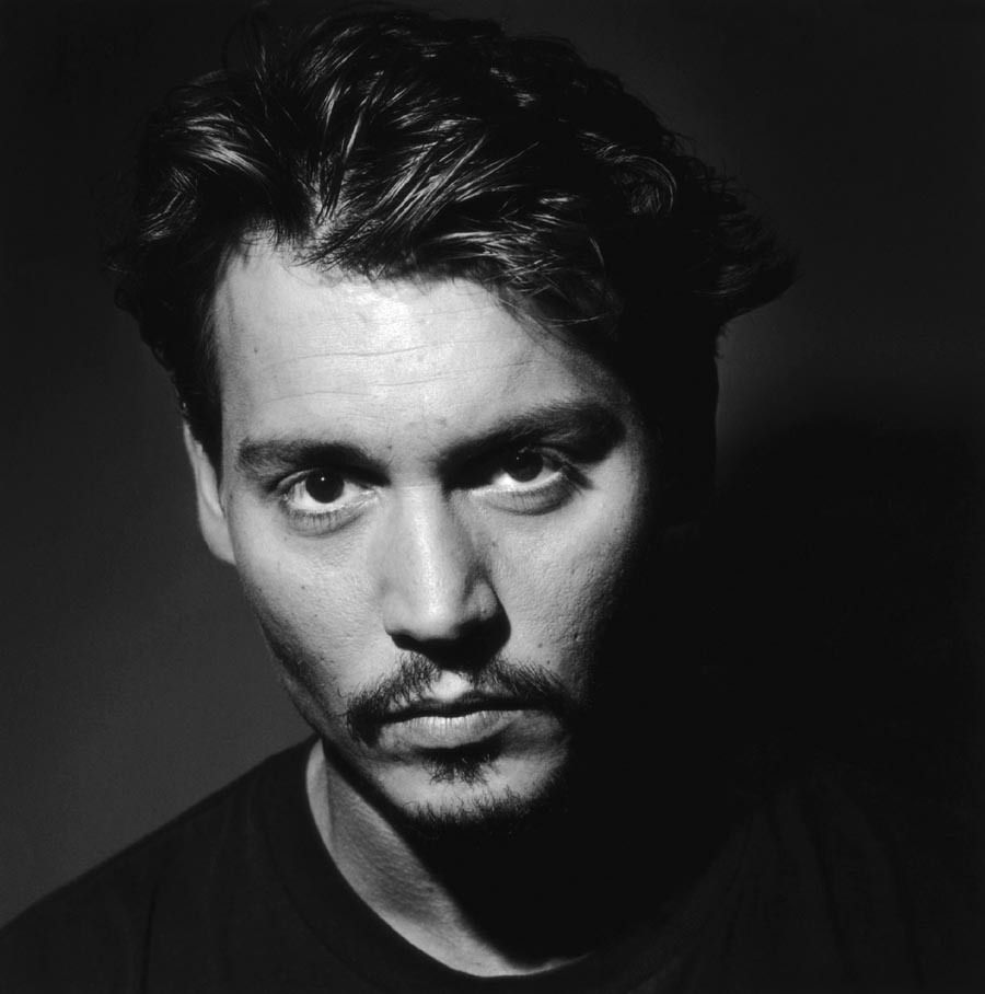 http://images2.fanpop.com/images/photos/3700000/Johnny-Depp-3-johnny-depp-3799080-900-908.jpg