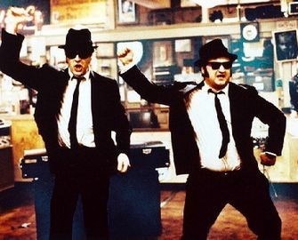 Shakin-it-the-blues-brothers-3756461-335