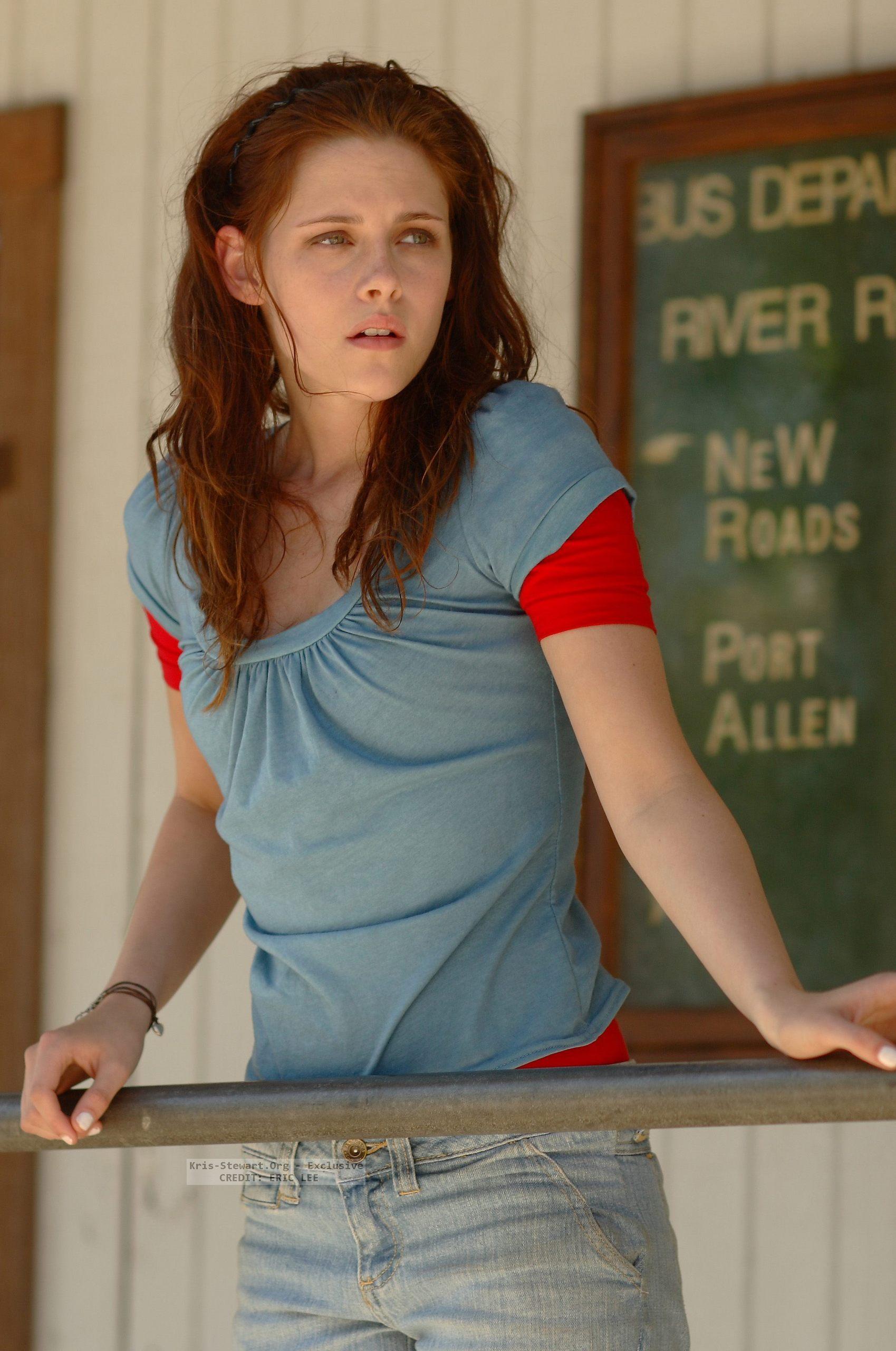 Kristen Stewart Official Gallery - Page 2 The-Yellow-Handkerchief-promo-stills-kristen-stewart-3725659-1699-2560