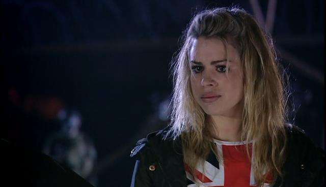 1x10 The Doctor Dances Screencap [Rose Tyler]