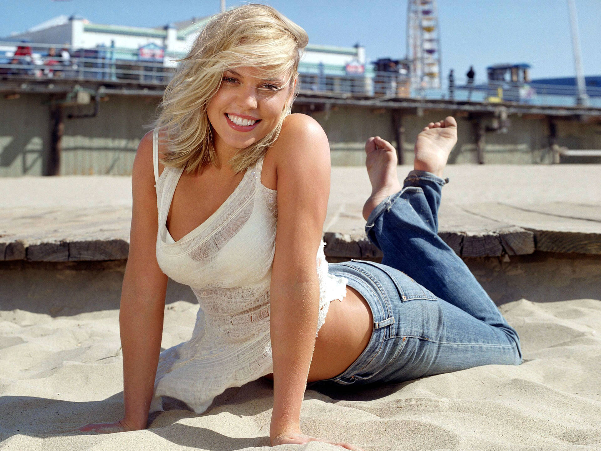 agnes bruckner seductive hot - photo #2