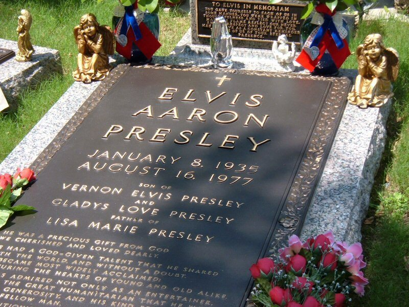 За похоронами Пресли следили миллионы людей