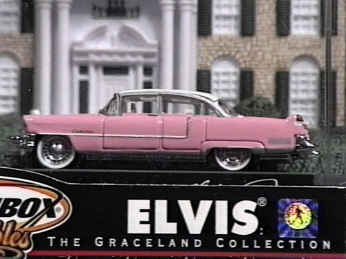 A model of Elvis's berwarna merah muda, merah muda cadillac