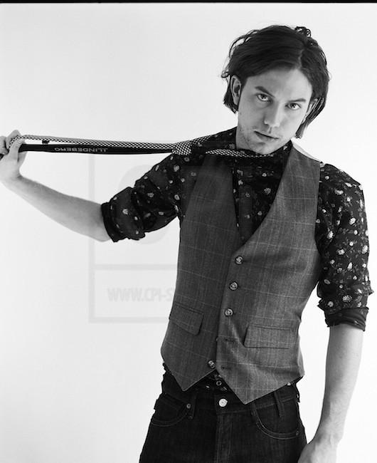 30/09/2012 Aniversario da Academia de Magia de Legilimência Jackson-Rathbone-photoshoots-twilight-series-3830273-530-650