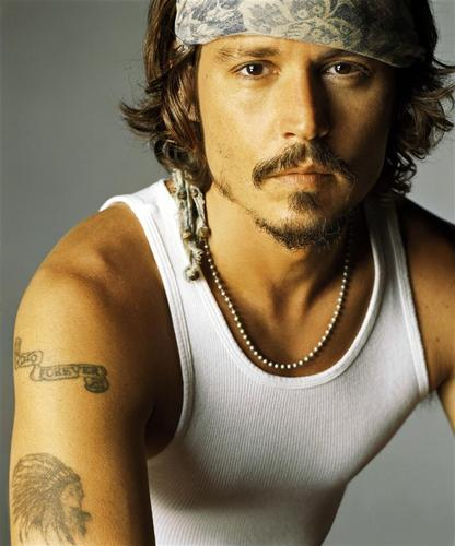Johnny Depp wallpaper probably containing a portrait titled Johnny <3