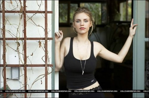 Kelli Garner wallpaper possibly containing a holding cell and a penal institution entitled Kelli